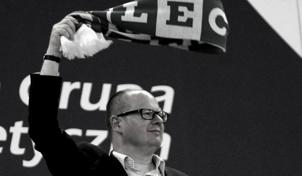 Film do artykułu: Lechia Gdańsk opłakuje Pawła Adamowicza. Kondolencje rodzinie złożyli prezes, piłkarze oraz członkowie sztabu szkoleniowego