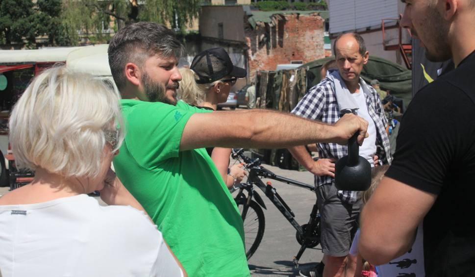 Film do artykułu: Fit Bazar przy Piotrkowskiej 217. Aktywne urodziny Łodzi [ZDJĘCIA]