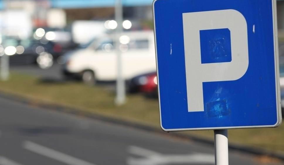 Film do artykułu: Parkowanie w centrum Rzeszowa ma być jednak tańsze [MAPA STREFY]