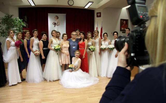c2a9022bf3 Pokaz sukien ślubnych w Medycznym Studium Zawodowym (ZDJĘCIA)
