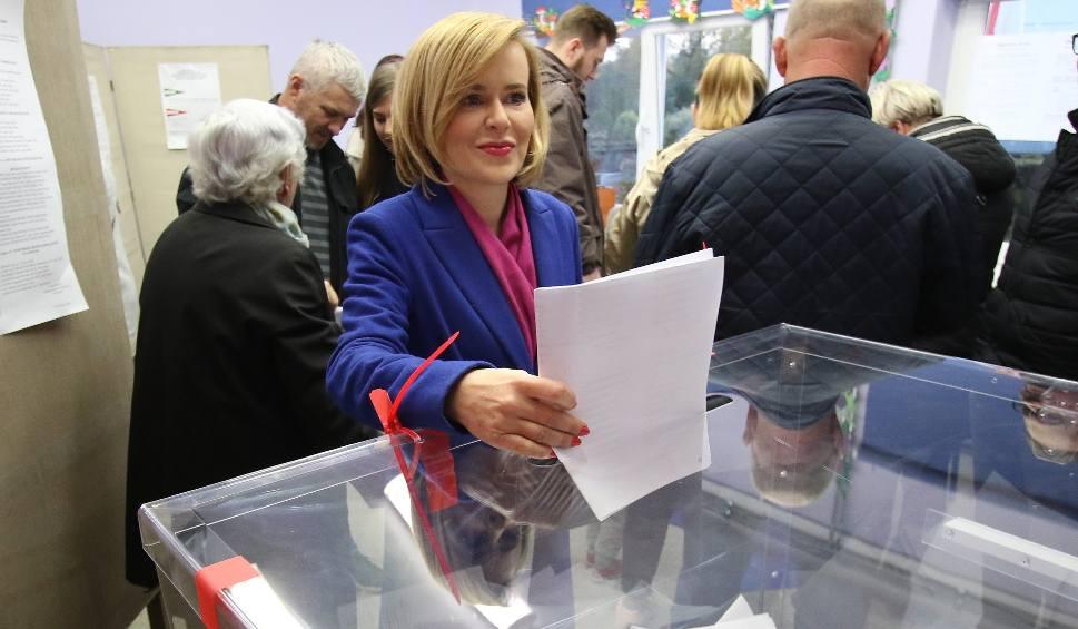 Film do artykułu: Poseł Prawa i Sprawiedliwości Anna Krupka głosowała w Kielcach