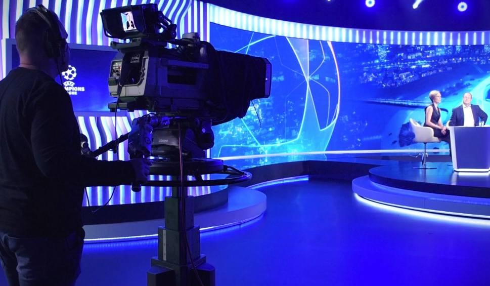 Film do artykułu: Liga Mistrzów lepsza od mundialu. Zobaczcie nowe studio Polsatu!