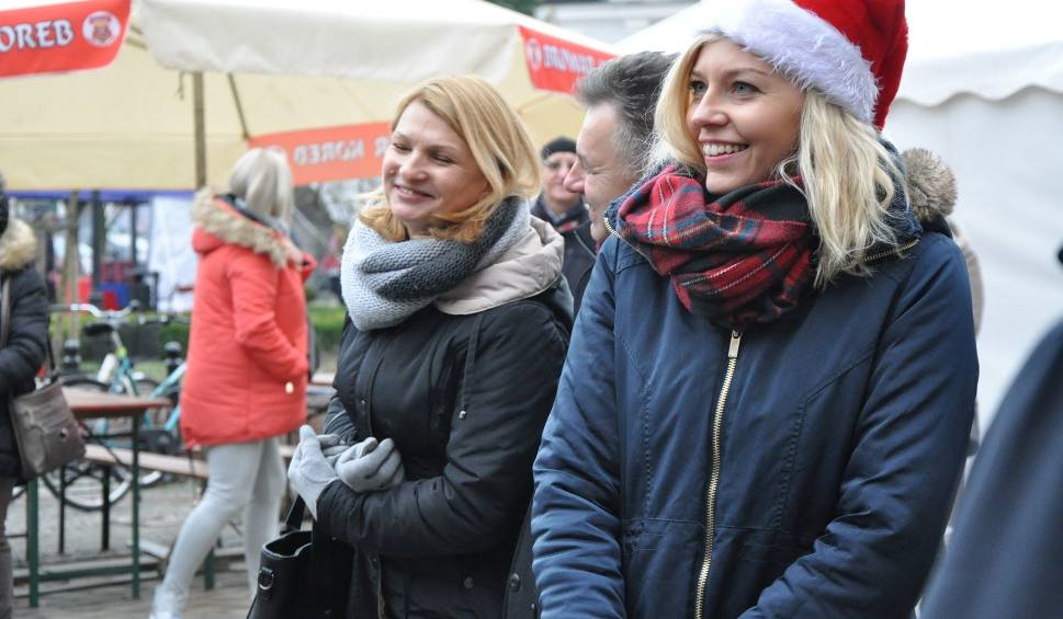 Film do artykułu: Jarmark bożonarodzeniowy w Kluczborku. Przyjdź i pomóż choremu na białaczkę 6-letniemu Arturkowi