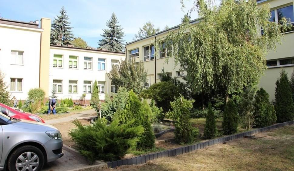Film do artykułu: Gmina Przytyk. Budynek szkoły podstawowej we Wrzosie jest już ocieplony