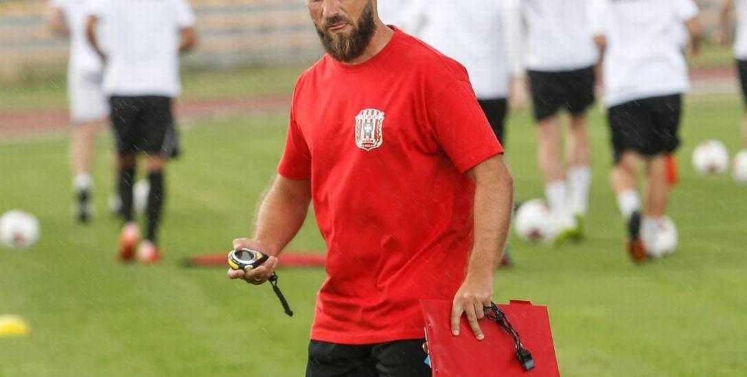 Trener Szymon Grabowski jest zadowolony z nowych piłkarzy