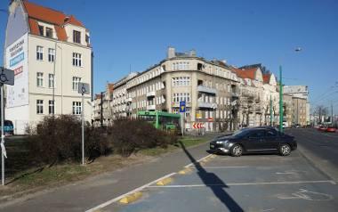 Zakaz parkowania na ulicy Grunwaldzkiej (na odcinku od Szylinga do Roosevelta) oraz na ulicy Święcickiego obowiązywał od godziny 8 w sobotę do godziny