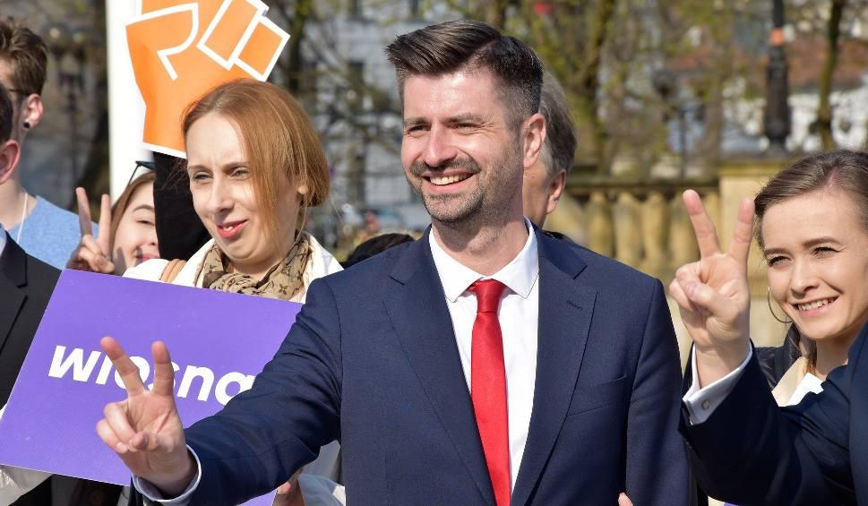 Film do artykułu: Wybory do Parlamentu Europejskiego 2019. Krzysztof Śmiszek: Wiosna zebrała 15 tys. podpisów poparcia
