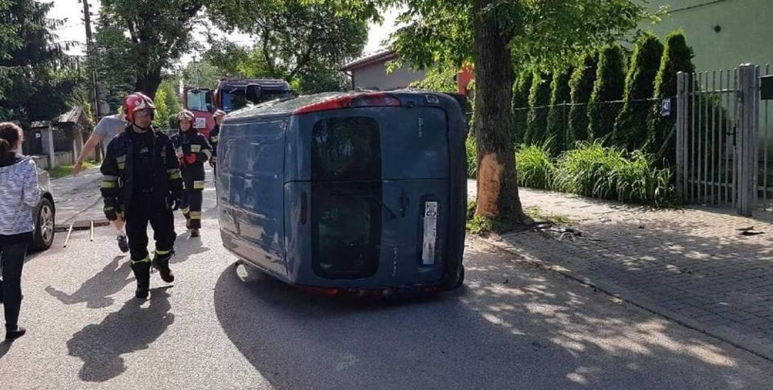 Kobieta pirat jechała bez prawa jazdy. Do wypadku doszło na ulic Pszczyńskiej