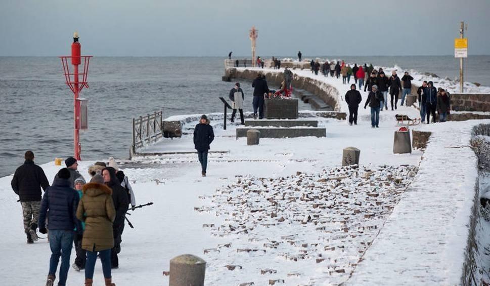 Film do artykułu: Łagodna zima jeszcze potrzyma. A potem będzie dużo chłodniej