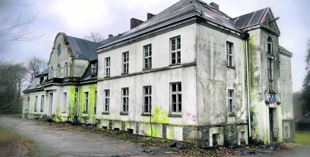 Popadający w ruinę pałac w Nacławiu koło Polanowa jest w tej chwili w rękach prywatnych. Na początek kwietnia planowana jest kontrola obiektu przez konserwatora