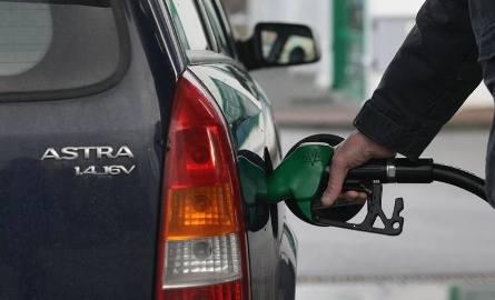 Inspektorzy sprawdzili jakość paliw. Kontrole losowe i stacji, na które skarżyli się kierowcy. Jakie wyniki?