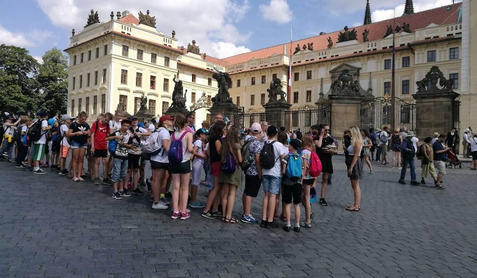 Film do artykułu: Zakaz organizacji wycieczek szkolnych w Słupsku. Branża turystyczna apeluje o pomoc