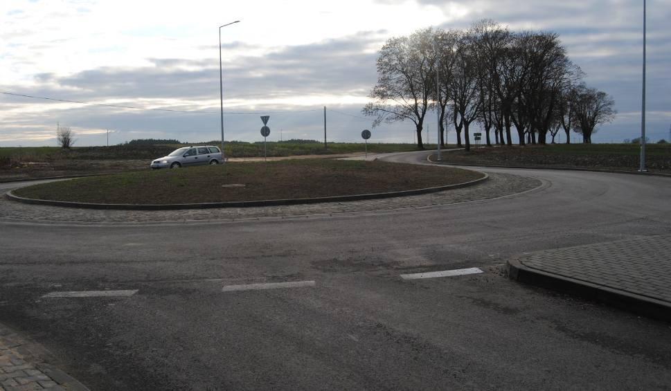 Film do artykułu: Dwie ważne ulice we Włoszczowie – Koniecpolska i Głowackiego – oddane do użytku (ZDJĘCIA)
