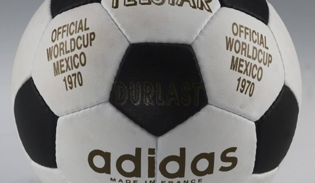 3f66f2ff7968 Adidas Telstar - Mistrzostwa Świata 1970 (Meksyk). Była ona pierwszą białą  futbolówką połączoną