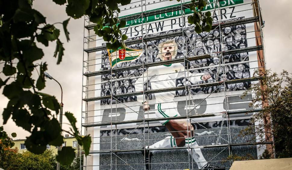 Film do artykułu: Zdzisław Puszkarz, legenda Lechii Gdańsk, oficjalnie odsłoni mural w Gdańsku