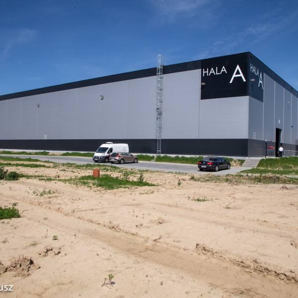 Nowa hala w Parku Przemysłowym Nowoczesnych Technologii w dzielnicy Kluczewo w Stargardzie