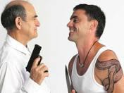 Między ojcem a synem trwa wieczny pojedynek. Zawsze ze sobą walczą, ścierają się. Jan Peszek i Błażej Peszek potrafią z tych emocji zrobić kawał szt