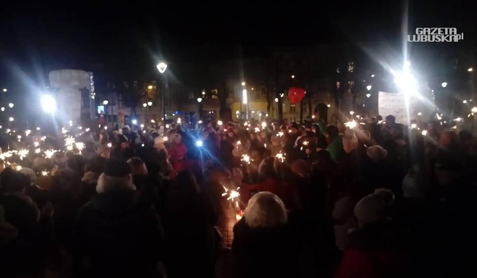 Film do artykułu: Magazyn Informacyjny Gazety Lubuskiej: Lubuszanie wstrząśnięci śmiercią prezydenta Gdańska [WIDEO]