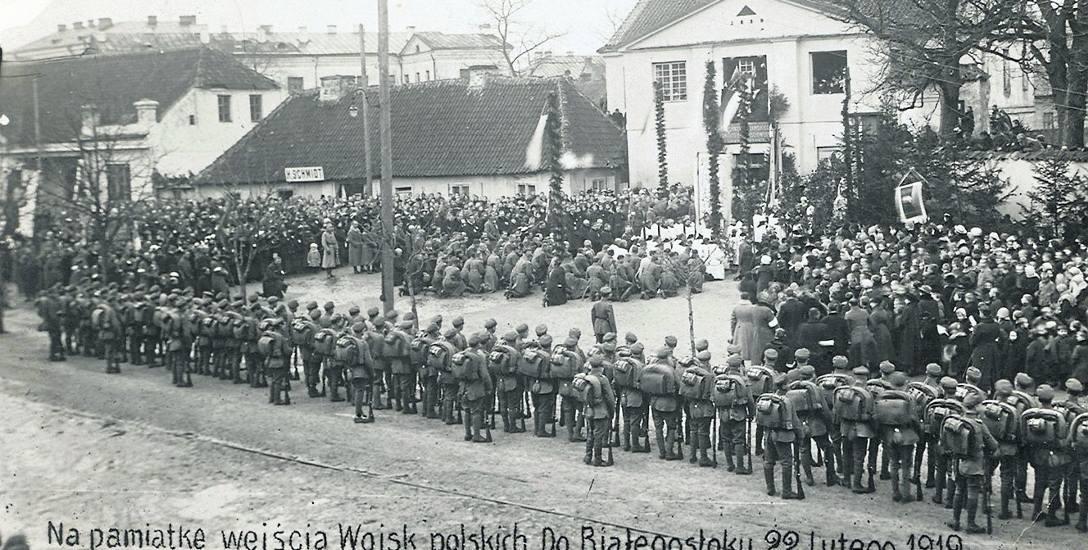 Msza polowa poprzedzająca przejęcie władzy w Białymstoku