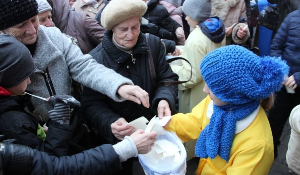 Film do artykułu: Wigilia Miejska w Tczewie. Mieszkańcy podzielili się opłatkiem [ZDJĘCIA, WIDEO]