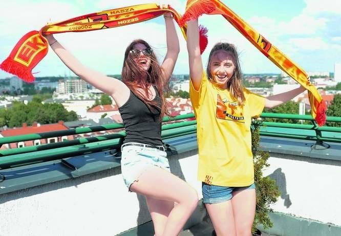 Martyna (z lewej) i Angelika na pierwszy mecz Jagiellonii poszły z ciekawości - bo koledzy ze szkoły chodzili. Dziś to zagorzałe fanki białostockiej