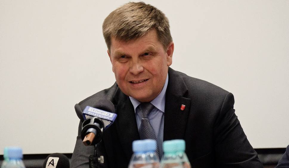 Film do artykułu: Marszałek województwa podlaskiego broni zarządu w sprawie niskiej frekwencji na referendum