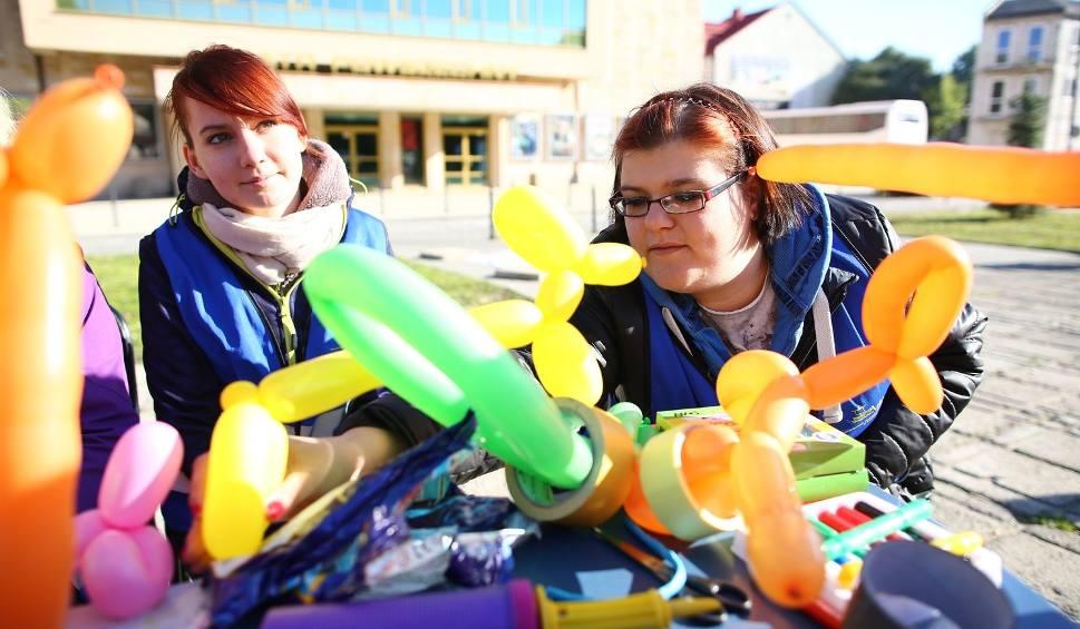 Film do artykułu: Happening wolontariuszy z SCM Arka na placu Jagiellońskim w Radomiu