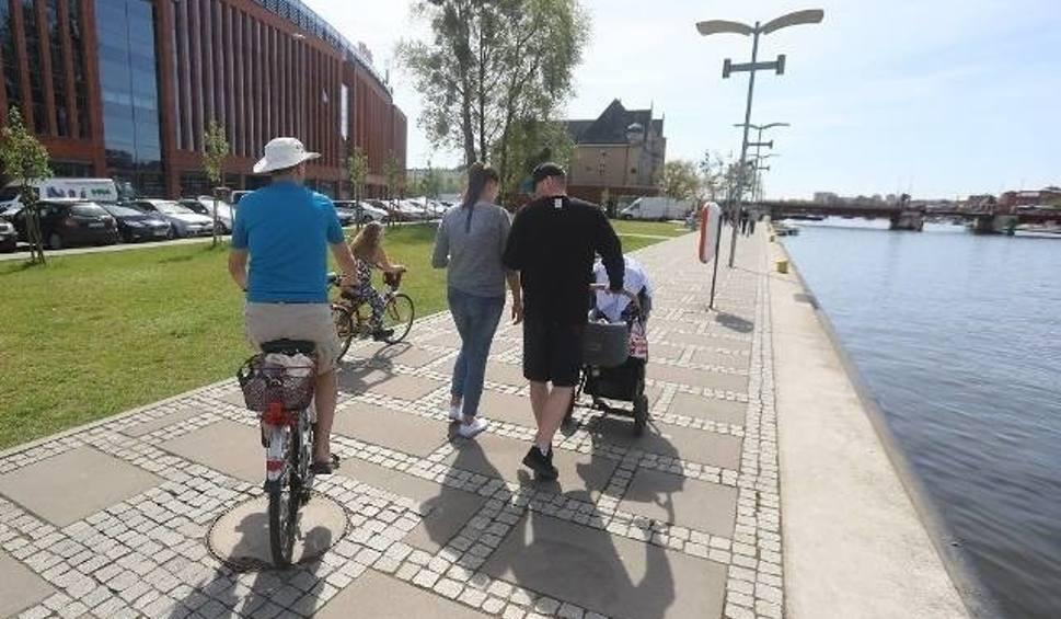 Film do artykułu: Pogoda w Szczecinie i nad morzem. Weekend zapowiada się ciepły i słoneczny, ale przyszły tydzień...