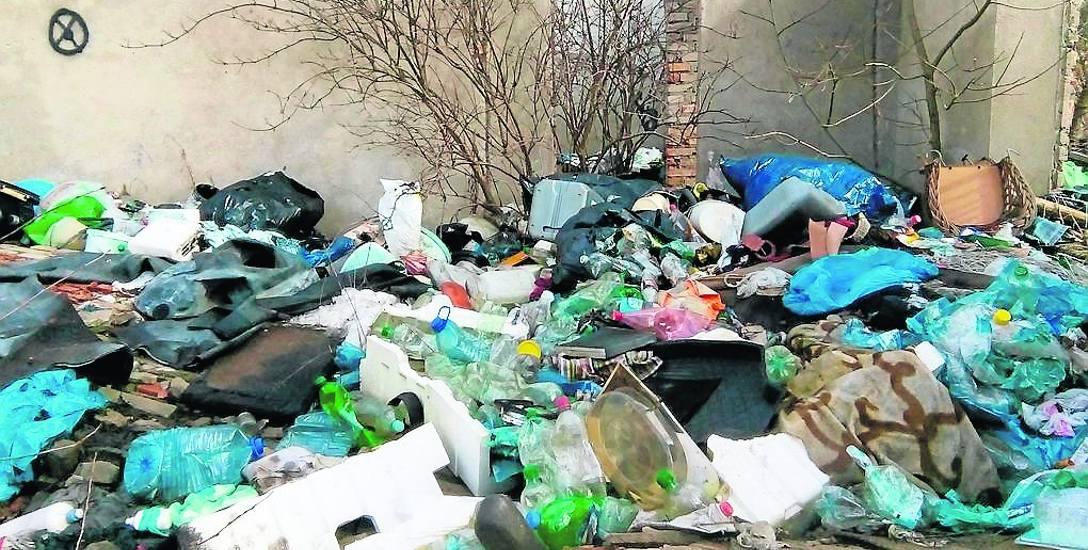 Wysypisko śmieci? Bynajmniej, jedna z ulic Bornego Sulinowa