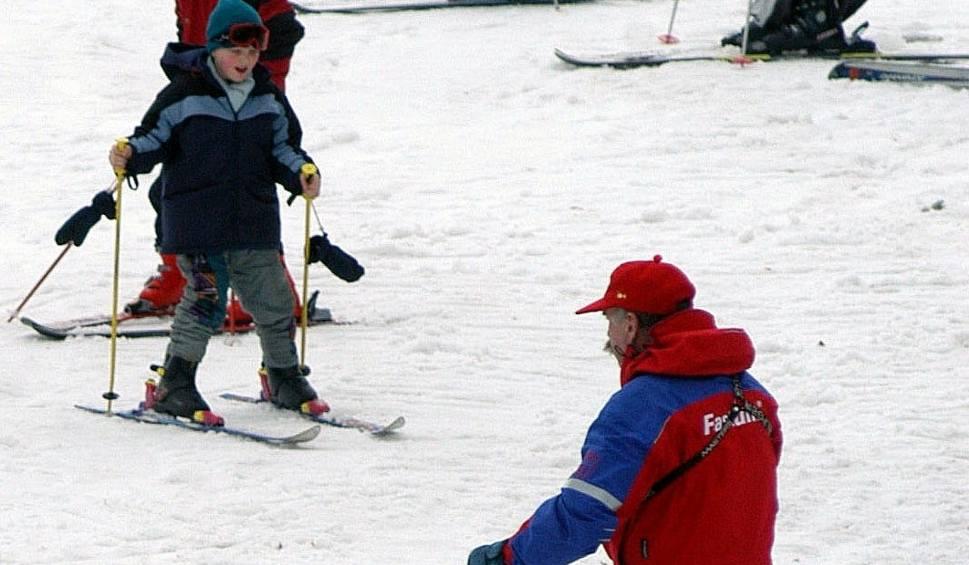 Film do artykułu: Ośrodki narciarskie w Beskidach wprowadzają promocje. Przyciągną one narciarzy?