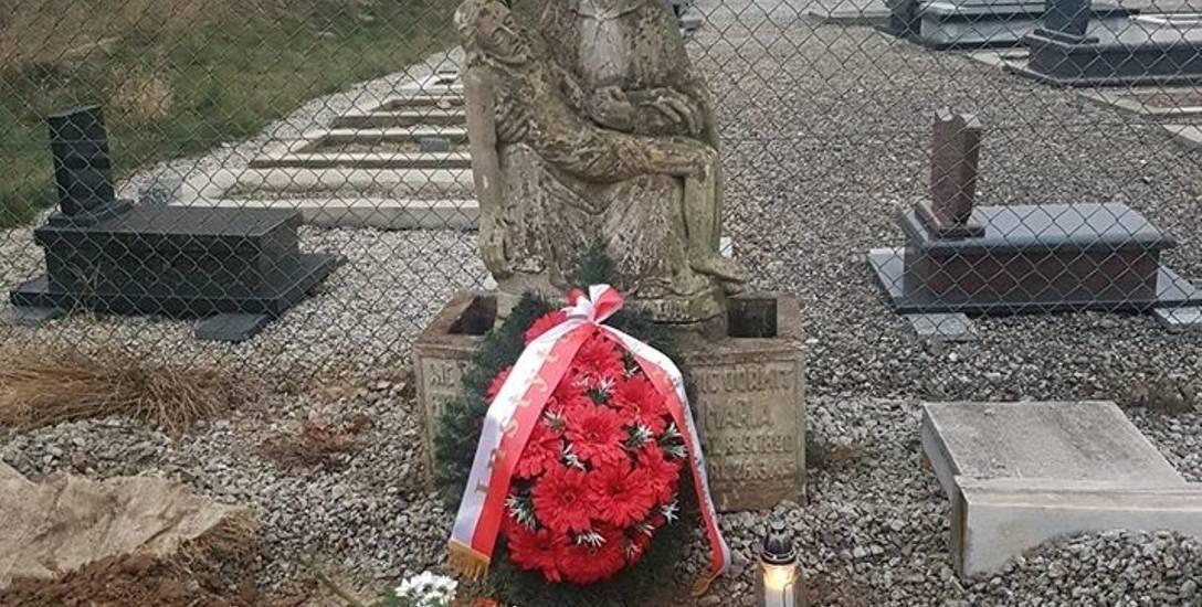 Grób Georga i Marii Piontek przeniesiono na Cmentarz Złotogłowicki w Nysie. Pozostanie pod opieką służb wojewody.