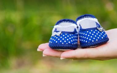 Wszyscy znają klasyczne oznaki ciąży: spóźniający się okres, zawroty głowy i nudności. Tymczasem kobiety we wczesnej fazie tego stanu mogą czasami doświadczać