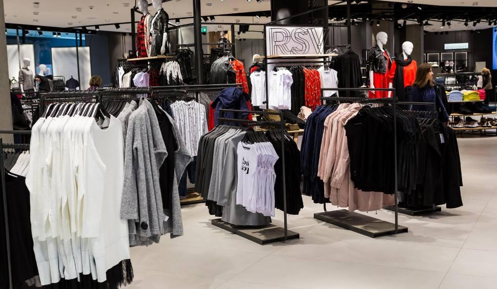 Film do artykułu: Lubuskie: lubiane przez mieszkańców marki, jak Reserved, zamknięte w lubuskich galeriach handlowych? Gdzie jeszcze nie zrobimy zakupów?