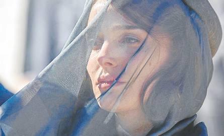 Natalie Portman, jako Jackie Kennedy, w kategorii aktorstwo będące doskonałym naśladownictwem, wykonała świetną robotę