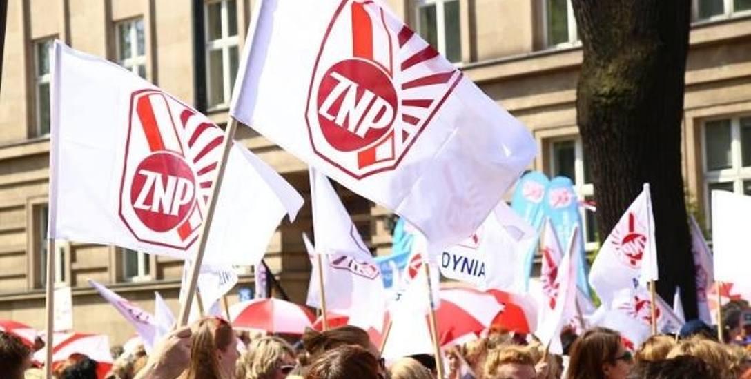 Śląskie: Nauczyciele z prawie 2 tys. szkół chcą strajkować
