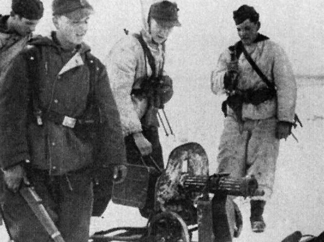 Niemieccy obrońcy Grudziądza przy ciężkim karabinie maszynowym