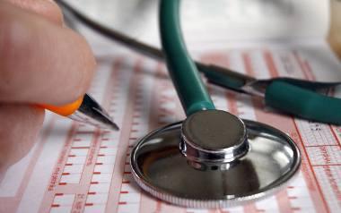 ZUS zapowiada zaostrzenie kontroli zwolnień lekarskich. Przyjrzy się tym, którzy je biorą i tym, którzy wystawiają