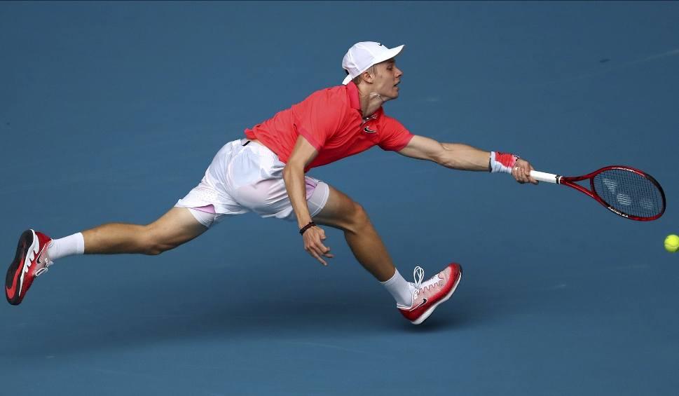 Film do artykułu: Australian Open. Deszcz rozdaje karty w Melbourne. Mecze Hurkacza i Linette przełożone. Pierwsze niespodzianki