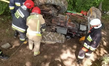 W Wesołej koło Brzozowa traktor przygniótł 36-latka. Do szpitala zabrał go śmigłowiec LPR