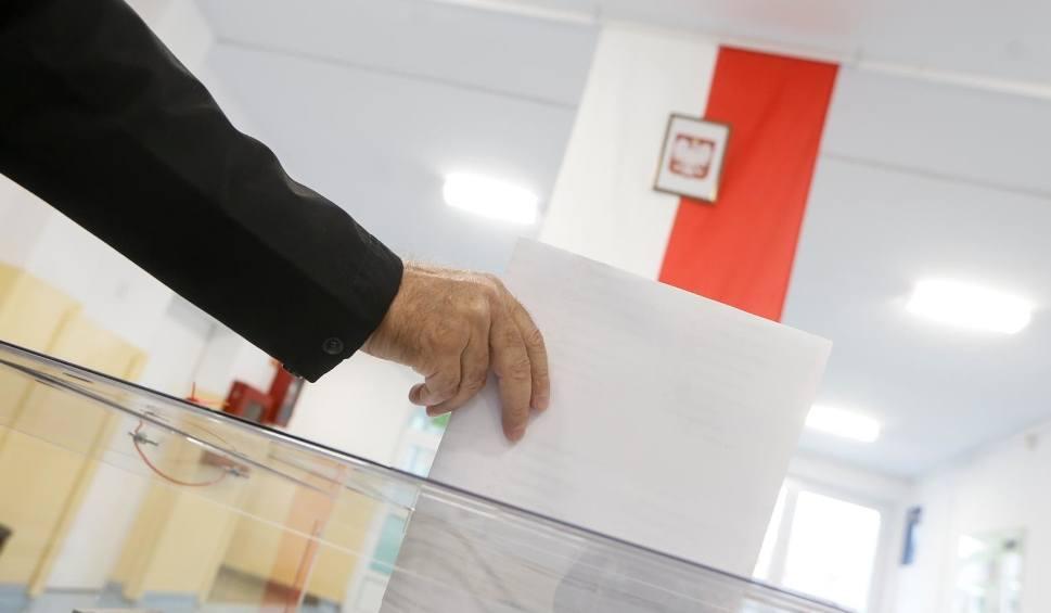 Film do artykułu: Wybory samorządowe 2018. 20 zgłoszeń na policję dotyczących łamania ciszy wyborczej w Kujawsko-Pomorskiem