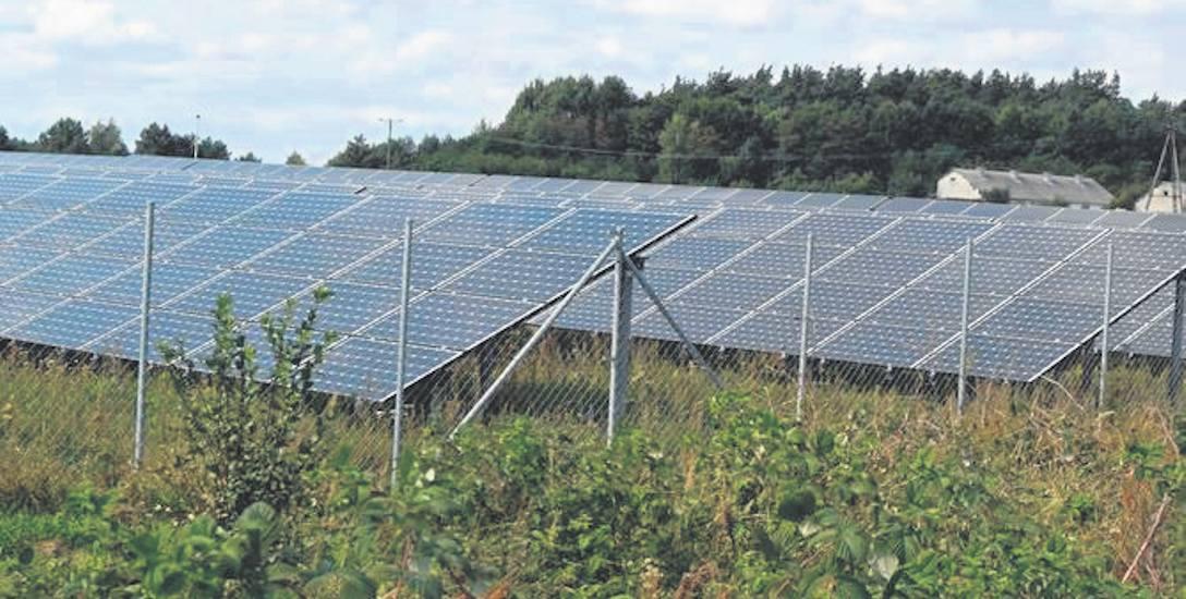 Farma fotowoltaiczna w podszczecineckim Turowie, składa się na nią 3214 paneli słonecznych, w Parsęcku będzie ich 2100