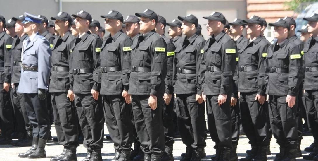 W kraju jest obecnie ok. 6 tysięcy wakatów w policji. W regionie na początku br. było ich 119. Główny powód to Niskie płace. Karierę zaczyna się od 1939