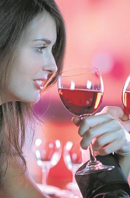 Wino znakomite, lokal przytulny, strój elegancki. Ale te obryzione paznokcie i ciągłe opowiadanie o sobie...