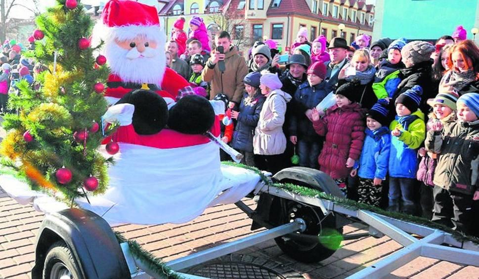 Film do artykułu: Parady Mikołajów, upominki i wiele atrakcji w powiecie tarnobrzeskim