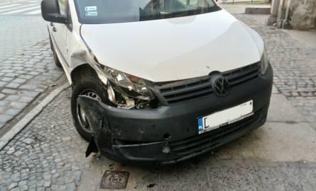Wypadek na skrzyżowaniu Pułaskiego i Komuny Paryskiej