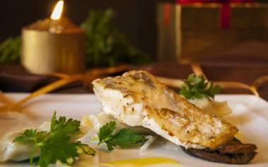 Filet z sandacza w sosie musztardowo-miodowym.