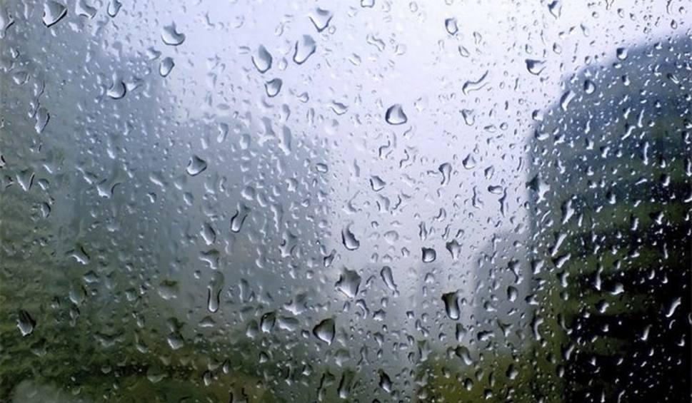 Film do artykułu: Ostrołęka i okolice. Niż Heinz zepsuł nam pogodę. Mocno pada i wieje. Co będzie w niedzielę i w następne dni? [WIDEO]
