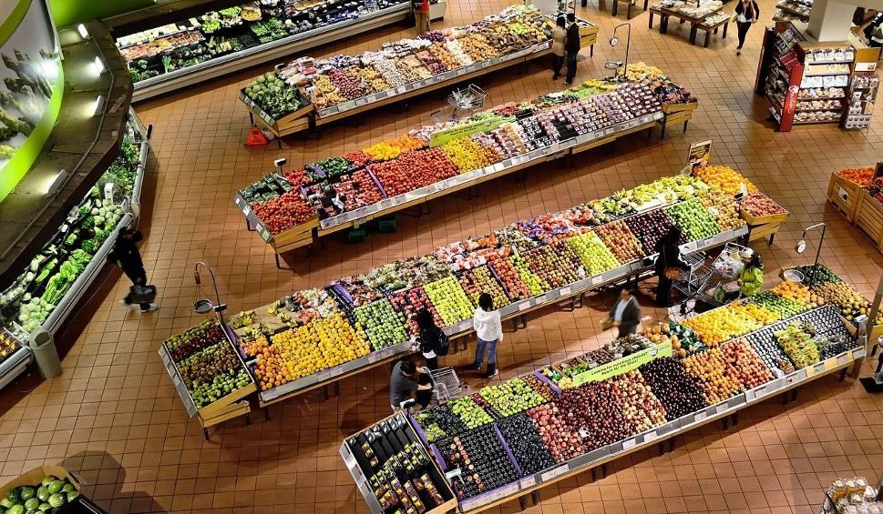 Film do artykułu: Niedziele handlowe PAŹDZIERNIK 2018. Kiedy będą zamknięte sklepy? Kiedy w październiku nie zrobisz zakupów [19.10.2018]
