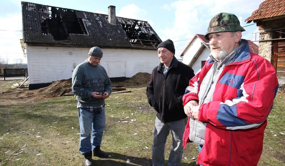Film do artykułu: Po pożarze w gminie Morawica. Bracia stracili dom - pomóżmy go odbudować