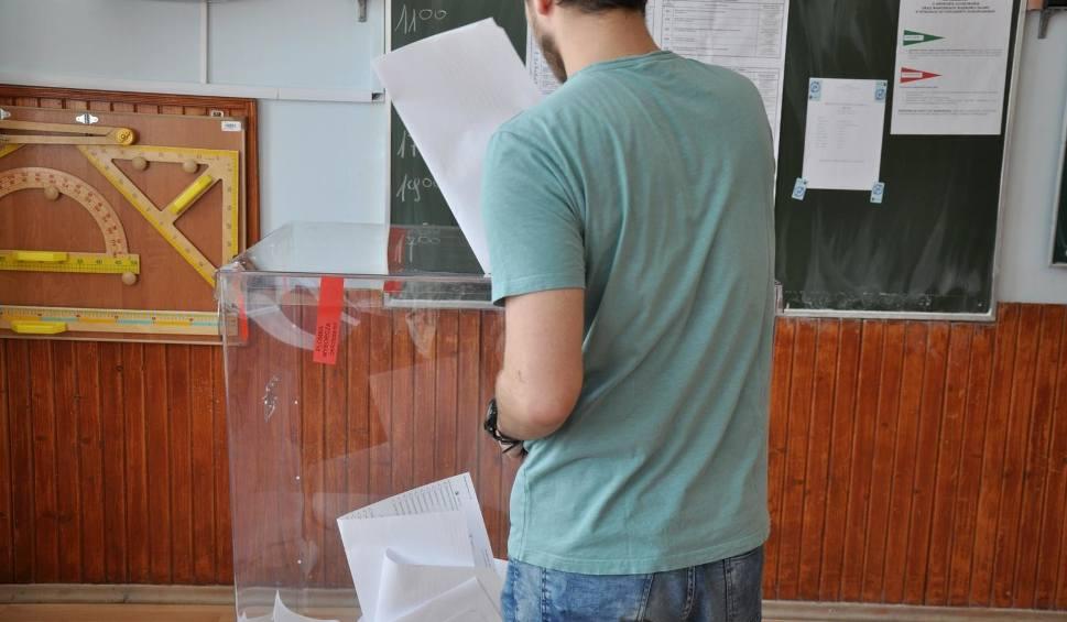 Film do artykułu: Wybory parlamentarne 2019. Jak i gdzie głosować? Jak będą wyglądać karty do głosowania? Jak głosować poza miejscem zamieszkania?